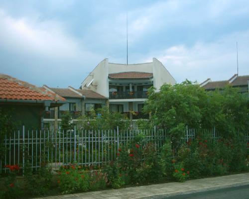 Yanitsa Hotel Krapets